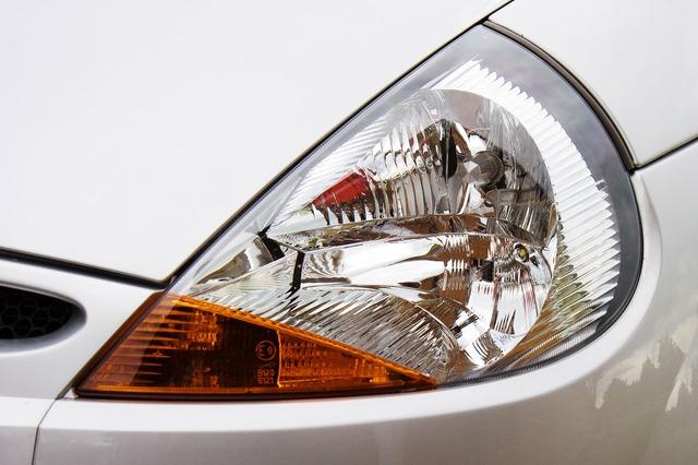 Entretenir sa voiture chez soi : changer ses ampoules